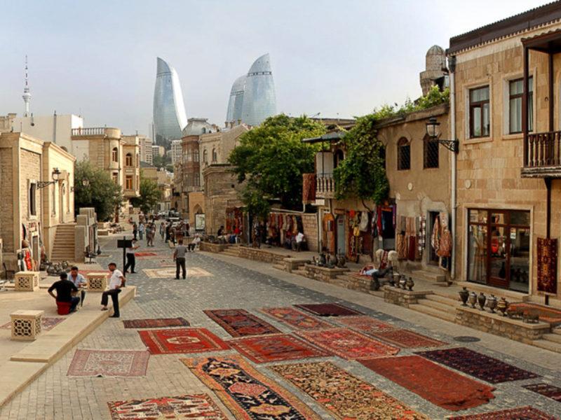 Автобусный тур в Баку (Азербайджан) из Севастополя.