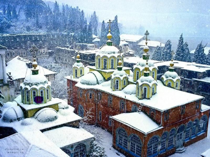 «Новый год в Абхазии» — автобусный тур из Крыма (Севастополя).
